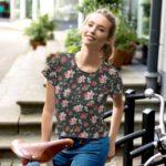 Roses de Feu – Komplett bedrucktes Crop-T-Shirt